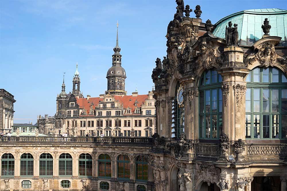Blick auf Zwinger und Schloss