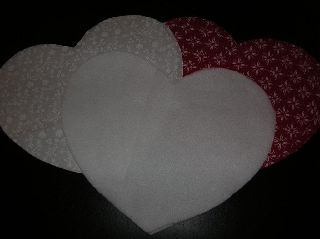 2 Herzen aus dem Stoff